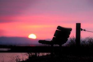 banc coucher de soleil
